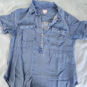 A NEW DAY Chambray Short-Sleeve Top!